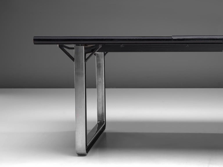 Osvaldo Borsani Table with Black Leather Inlay In Good Condition For Sale In Waalwijk, NL