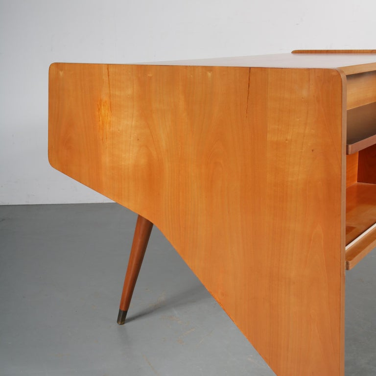 "Oswald Vermaercke ""Oslo"" Desk for V-Form, Belgium, 1950 For Sale 5"