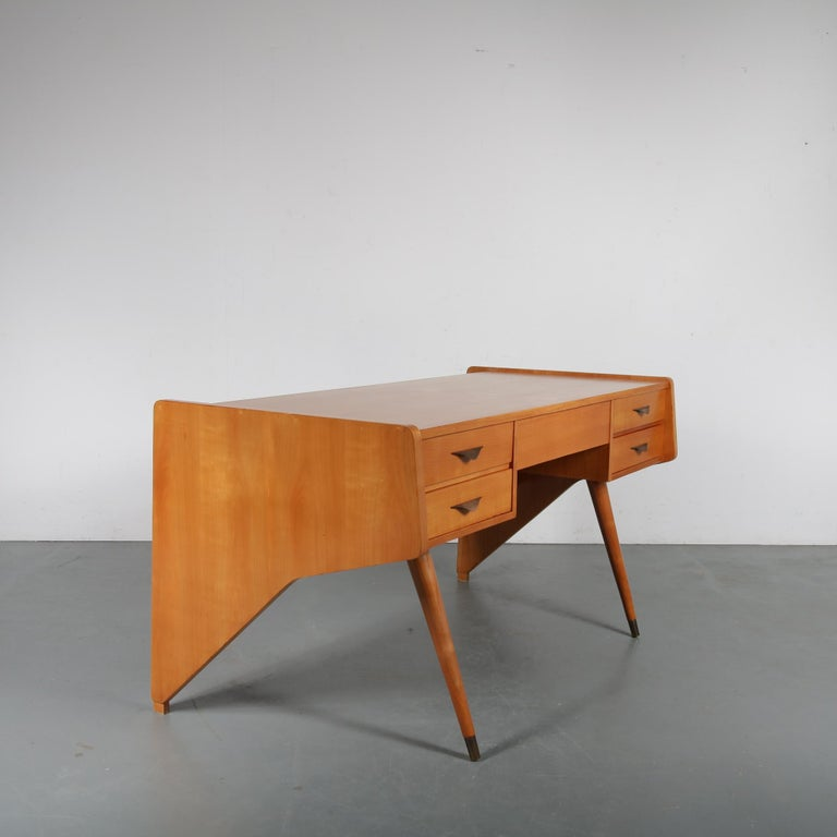 "Oswald Vermaercke ""Oslo"" Desk for V-Form, Belgium, 1950 In Good Condition For Sale In Amsterdam, NL"