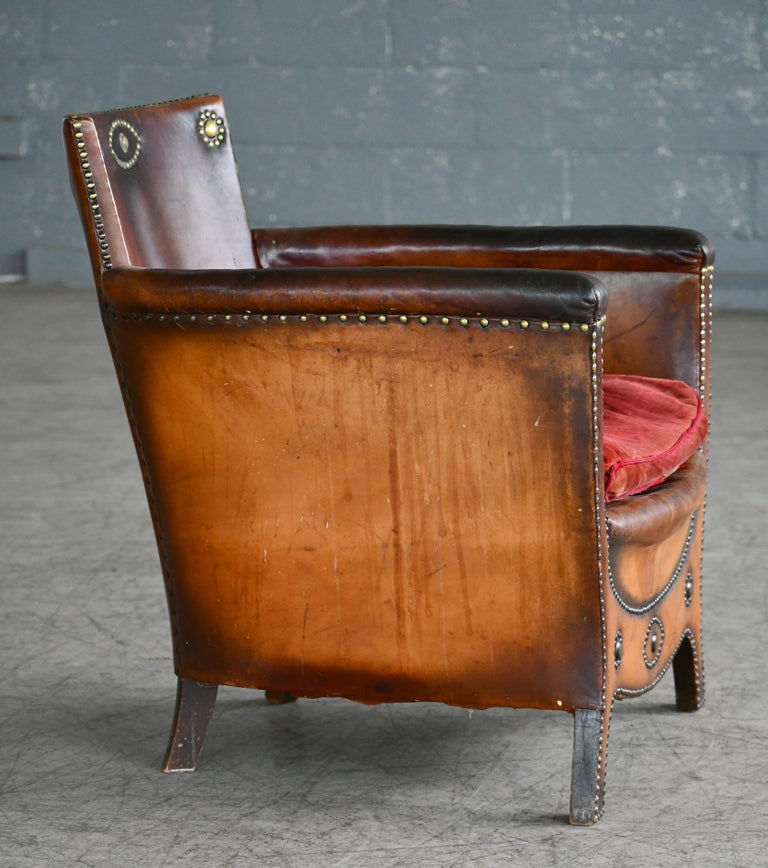 Otto Schulz 1940s Lounge Chair in Worn Leather for Boet, Scandinavian Midcentury In Good Condition For Sale In Bridgeport, CT