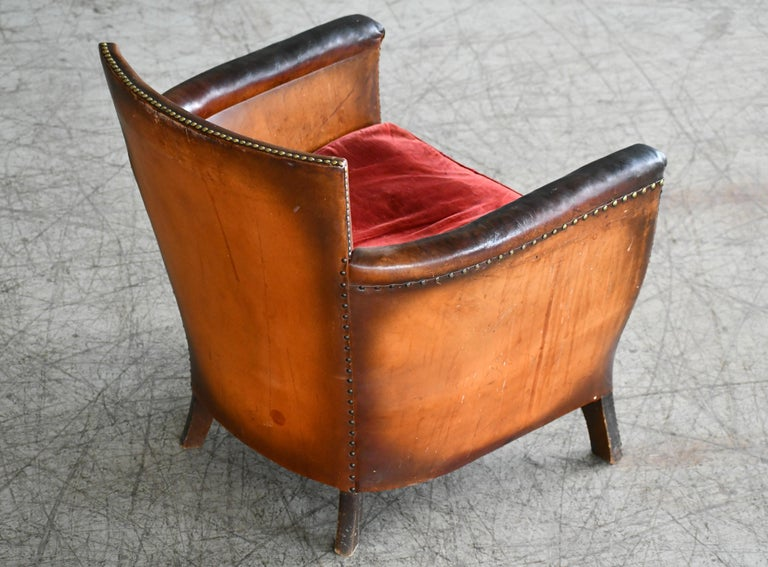 Mid-20th Century Otto Schulz 1940s Lounge Chair in Worn Leather for Boet, Scandinavian Midcentury For Sale