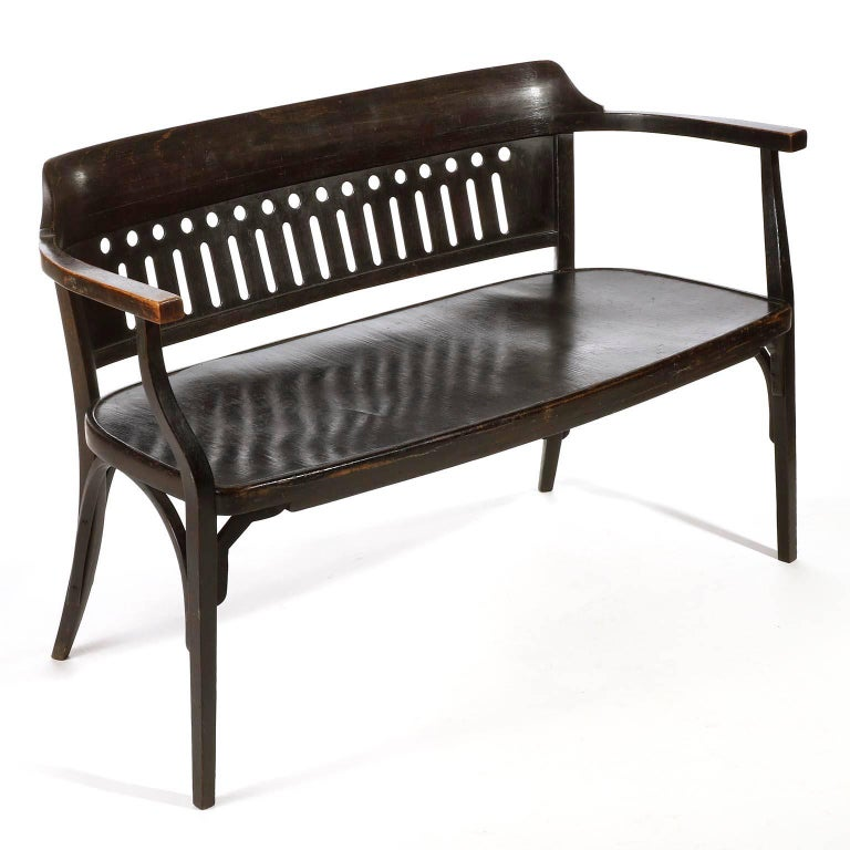 Early 20th Century Otto Wagner Settee Bench by Thonet, Austria, Vienna Secession, circa 1905 For Sale