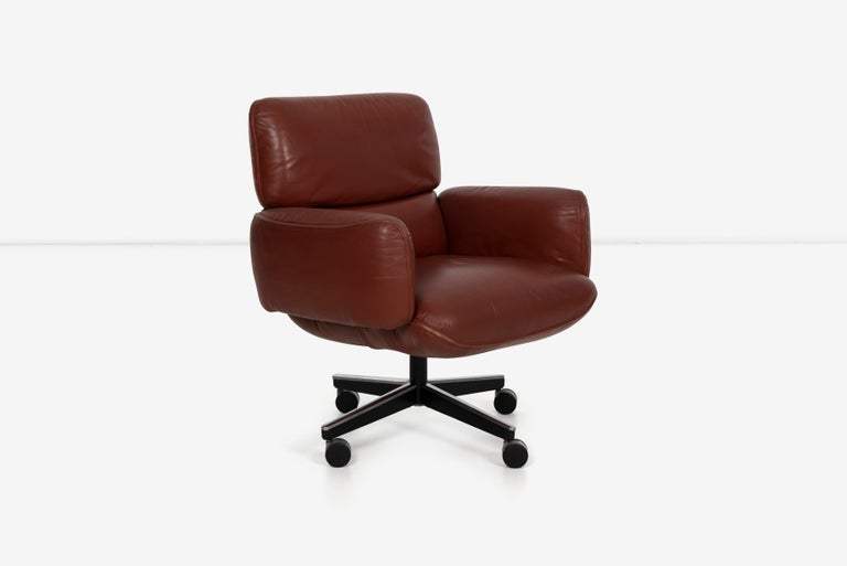Otto Zapf executive chair, low-back lounge, tilt swivel adjustable seat height on wheels. Signed on underside label pictured.