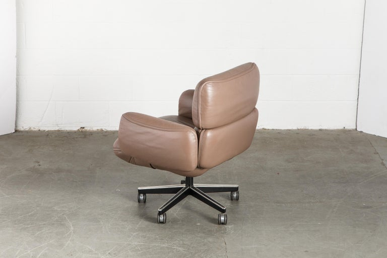 Otto Zapf for Knoll International Leather Desk Chair, c. 1985, Signed  For Sale 4