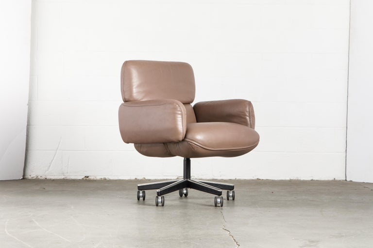 American Otto Zapf for Knoll International Leather Desk Chair, c. 1985, Signed  For Sale