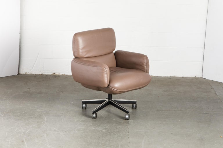Otto Zapf for Knoll International Leather Desk Chair, c. 1985, Signed  In Good Condition For Sale In Los Angeles, CA