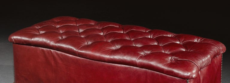 Ottoman, Leather, 19th Century, English, Victorian, Mahogany, Serpentine, Tufted In Good Condition For Sale In Eversholt, Bedfordshire