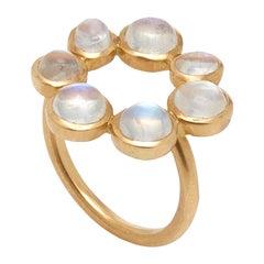 Ouroboros Cabochon Rainbow Moonstone 18 Karat Gold Circle Ring