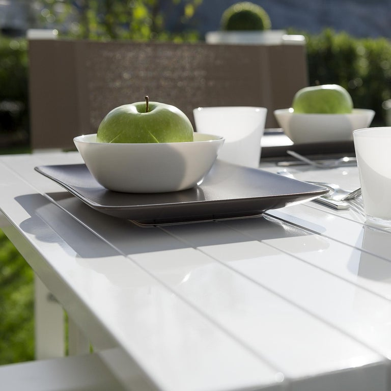Modern In Stock in Los Angeles, White Lacquered Aluminium Outdoor Orione Table For Sale