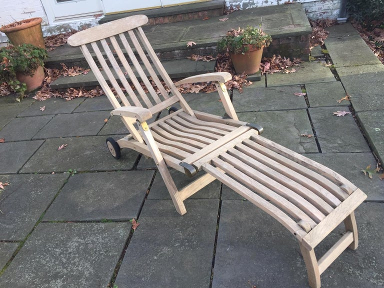 The Classic teak maritime styling of this handsome steamer Commodore chair is the result of extensive development by Barlow Tyrie. Care has been taken to ensure ease of operation together with a durable rigidity in use, often a weakness in more