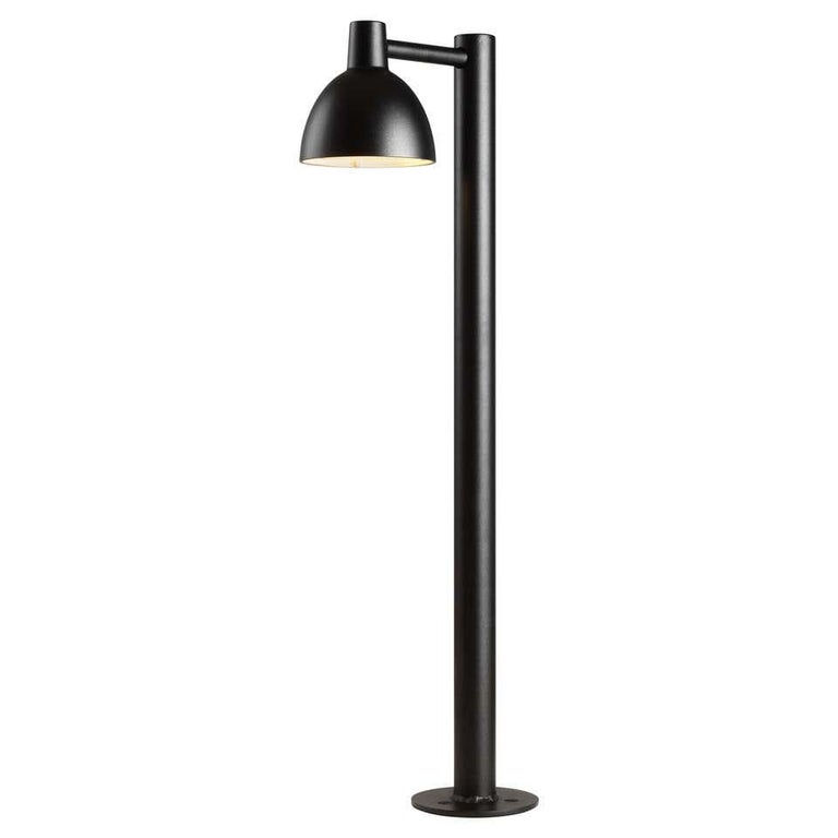 Outdoor lamp by Louis Poulsen
