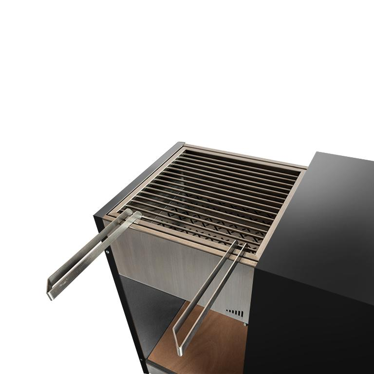Painted Outdoor Modern Charcoal Barbecue with Sliding Grills, Snail Mono Vision Black For Sale