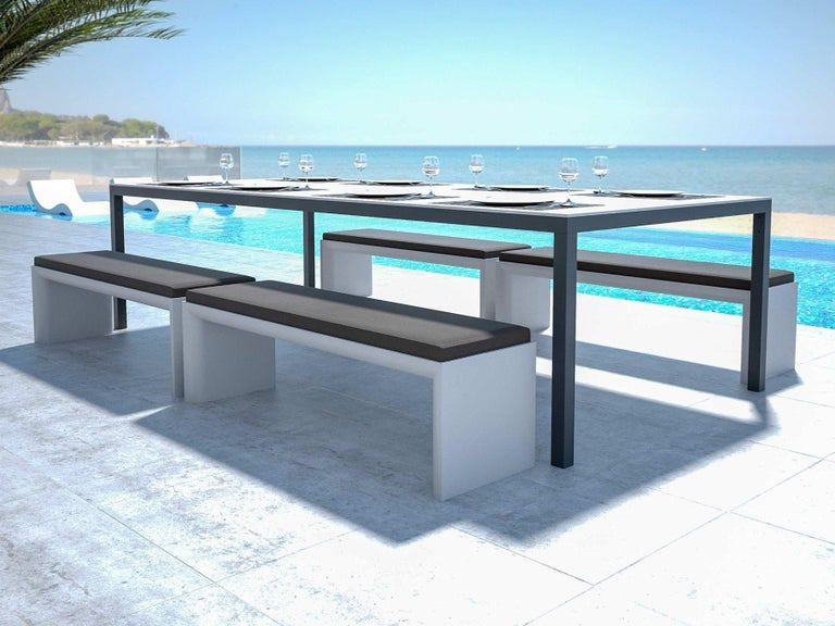 Modern Outdoor Rectangular Dining Table in White Lacquered Resin For Sale