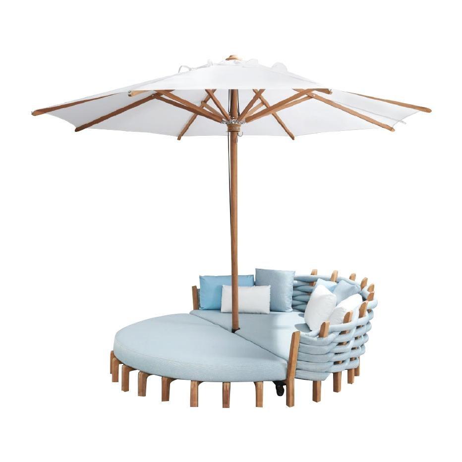 Outdoor Royal Botania Lotus Round Daybed with Umbrella