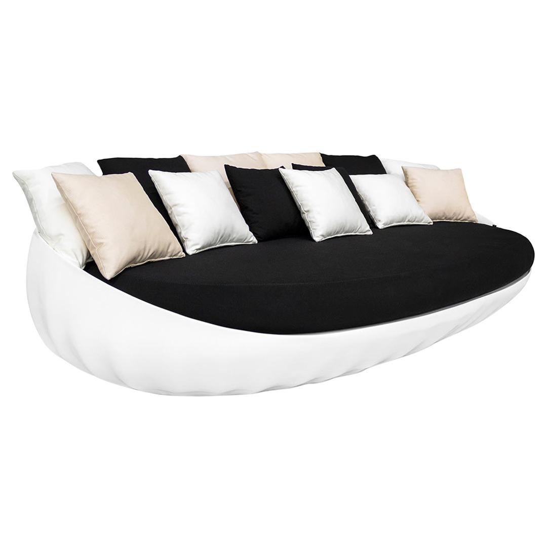 Outdoor Sofa Fiberglass Lacquered White Waterproof Outdoor Fabrics Black