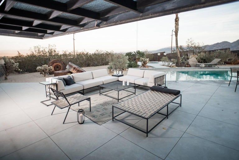 Outdoor Tan and Charcoal Daybed In New Condition For Sale In Los Angeles, CA