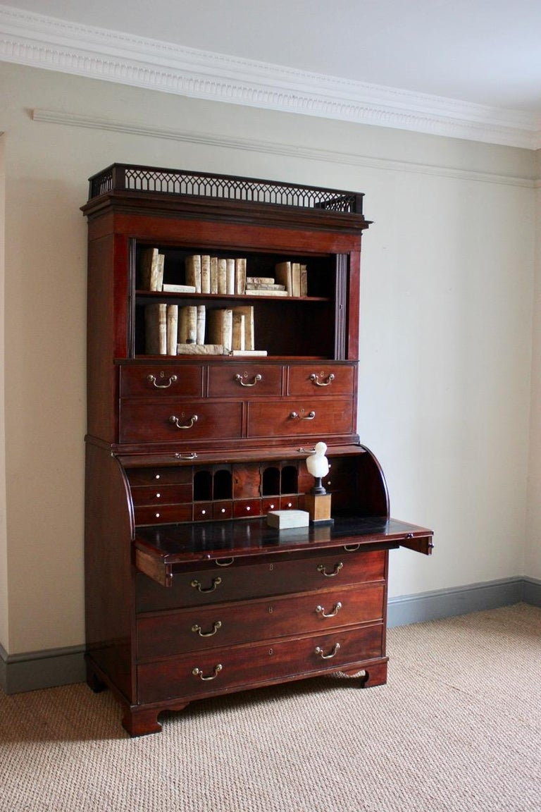Outstanding 18th Century Danish Louis XVI Mahogany Bureau In Excellent Condition For Sale In Gloucestershire, GB