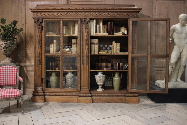 Oak Outstanding Early 19th Century French Classical Bookcase For Sale