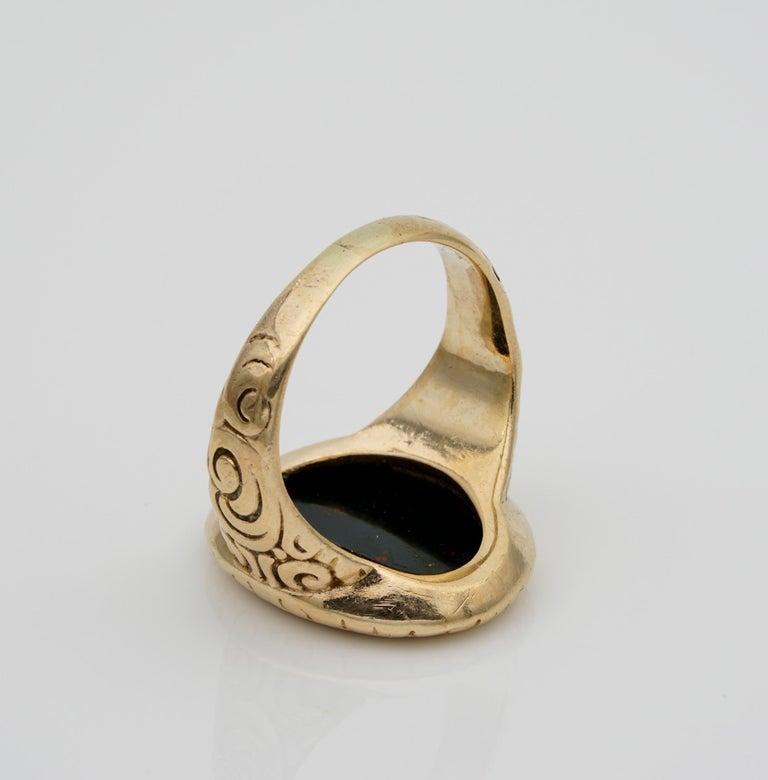 Outstanding Embossed Victorian Unisex Bloodstone Signet Ring 15 Karat Gold For Sale 3
