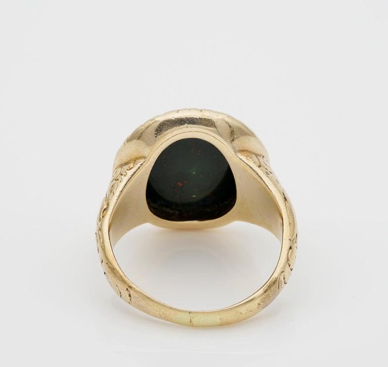 Outstanding Embossed Victorian Unisex Bloodstone Signet Ring 15 Karat Gold For Sale 4