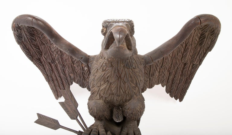 Federal Outstanding Large Oak Carved Eagle Grasping Shield & Three Arrows For Sale