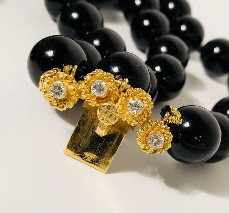 Outstanding Onyx, Pearl and Diamond 18 Karat Yellow Gold Necklace For Sale 1