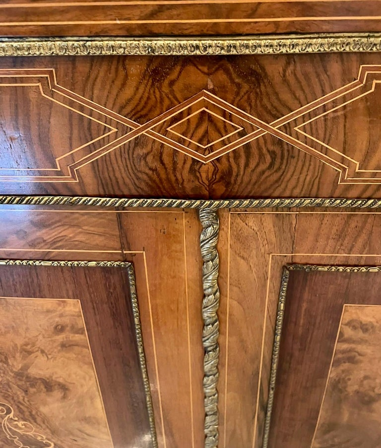 Outstanding Quality Antique Victorian Inlaid Burr Walnut Side Cabinet In Good Condition For Sale In Norwich, GB