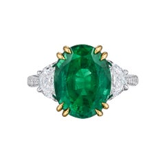 Oval 5.72 Carat Green Emerald Platinum Cocktail/Engagement Ring Set in Platinum
