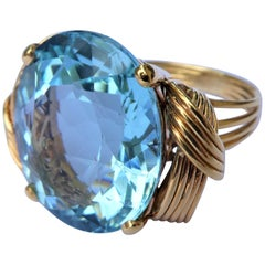 Oval Aquamarine 14 Karat Gold 1950s Retro Cocktail Ring