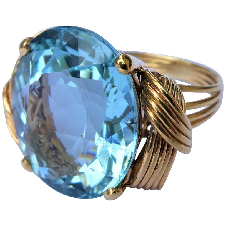 a2336f355ec Oval Aquamarine 14 Karat Gold 1950s Retro Cocktail Ring For Sale at ...