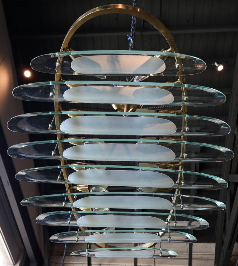 Oval Brass Fontana Arte for Dominici Chandelier with Long Glass Pieces In Good Condition For Sale In Los Angeles, CA