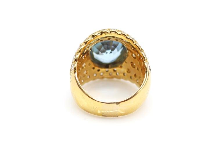 Contemporary Oval Brilliant Aquamarine Diamond 18 Karat Yellow Gold 1980s Cocktail Ring