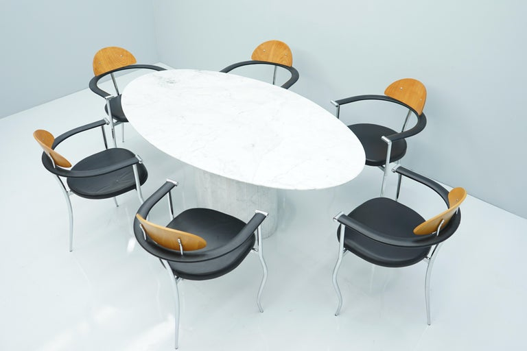 White Oval Carrara Marble Dining Table, 1970s For Sale 3