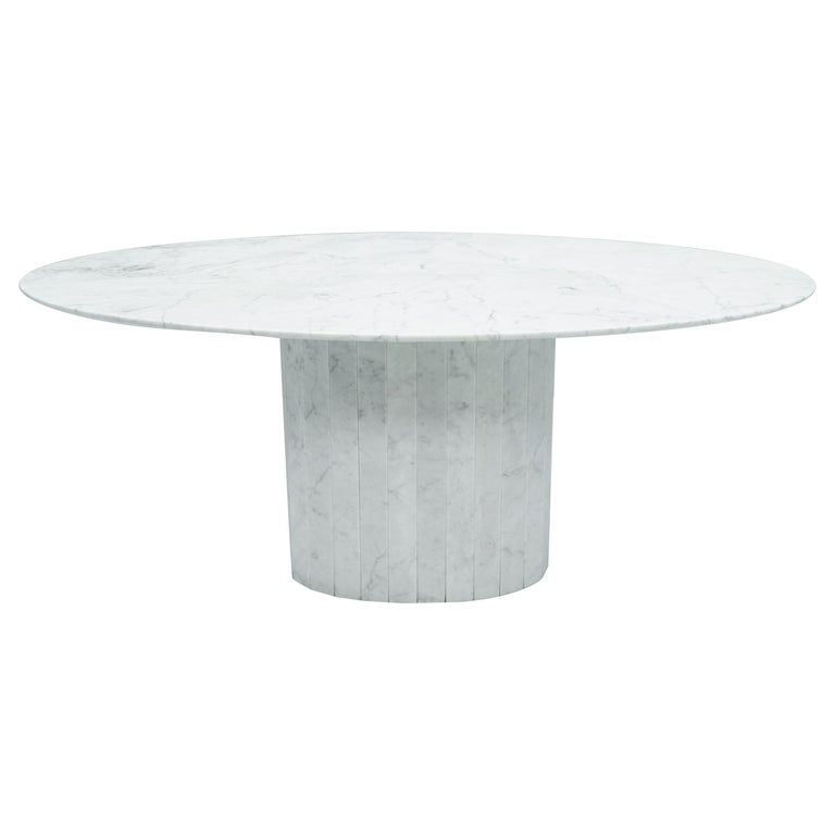 White Oval Carrara Marble Dining Table, 1970s For Sale