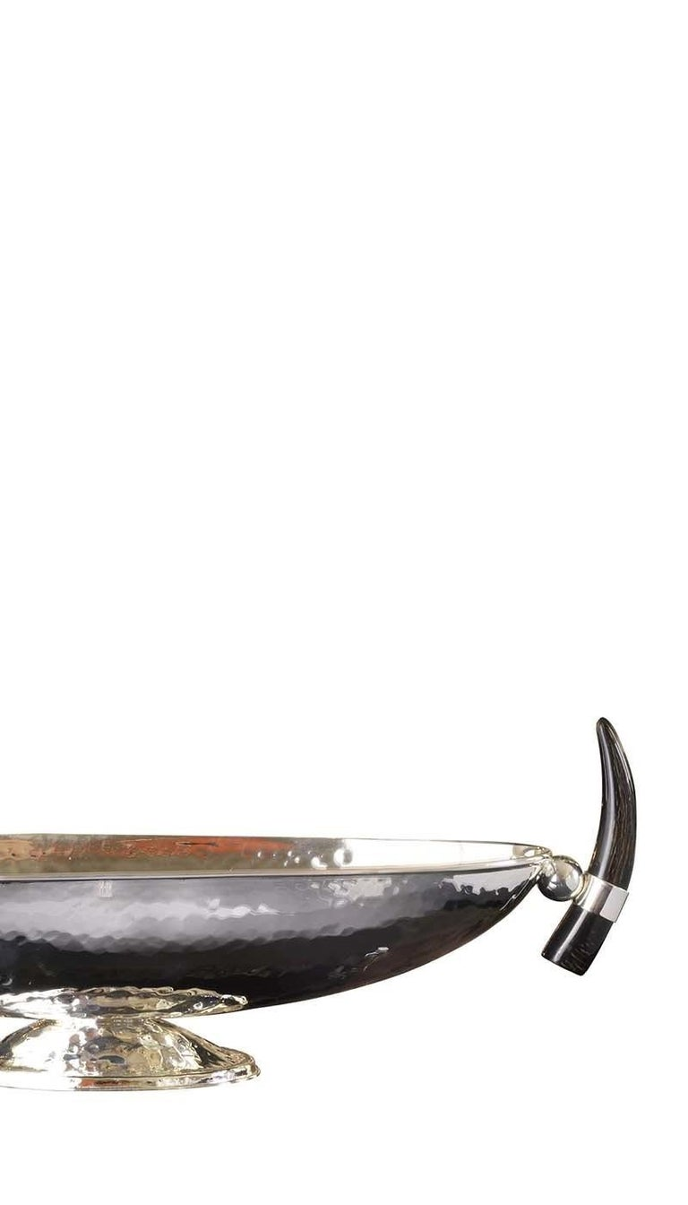 Oval Centrepiece with Horn Handles In New Condition For Sale In Milan, IT