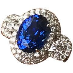 Oval Ceylon Sapphire Engagement Ring, 11.80 Carat, 18 Karat White Gold