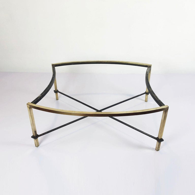 Oval Coffee Table by Arturo Pani In Distressed Condition For Sale In Mexico City, CDMX