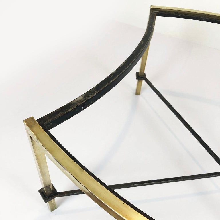 Mid-20th Century Oval Coffee Table by Arturo Pani For Sale