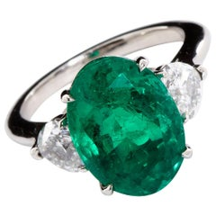 Oval Colombian Emerald Diamond Hearts Side Stones Engagement Ring 6.60 Carat