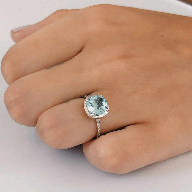 Cushion Aquamarine Prong Set in 18 Karat White Gold Fashion Ring In New Condition For Sale In New York, NY