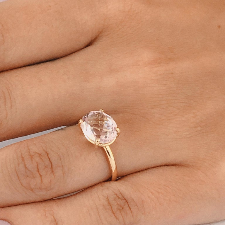 Cushion Kunzite Set in 18 Karat Yellow Gold Fashion Ring In New Condition For Sale In New York, NY