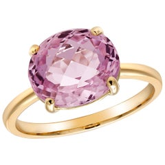 Oval Cushion Kunzite Set in 18 Karat Yellow Gold Fashion Ring