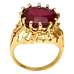 Oval Cut 7 Carat Treated Ruby in 18 Karat Yellow Gold Ring, Unisex