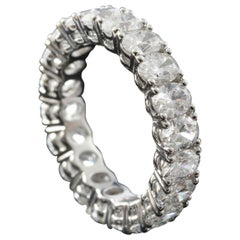 Oval Cut Diamond 0.25 Carat Eternity Ring in 18 Karat Gold