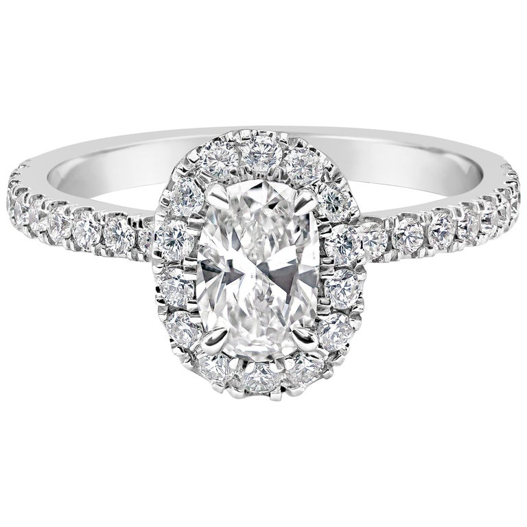 27cb03fa4aa4 Oval Cut Diamond Halo Engagement Ring For Sale at 1stdibs