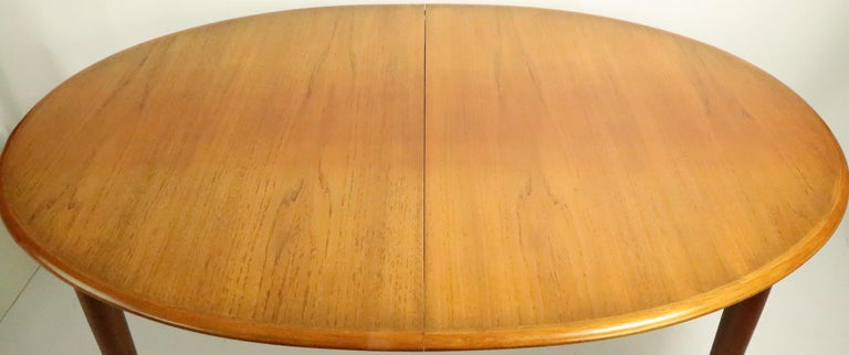 Oval Danish Modern Dining Table by Gudme Mobelfabrik In Good Condition For Sale In New York, NY