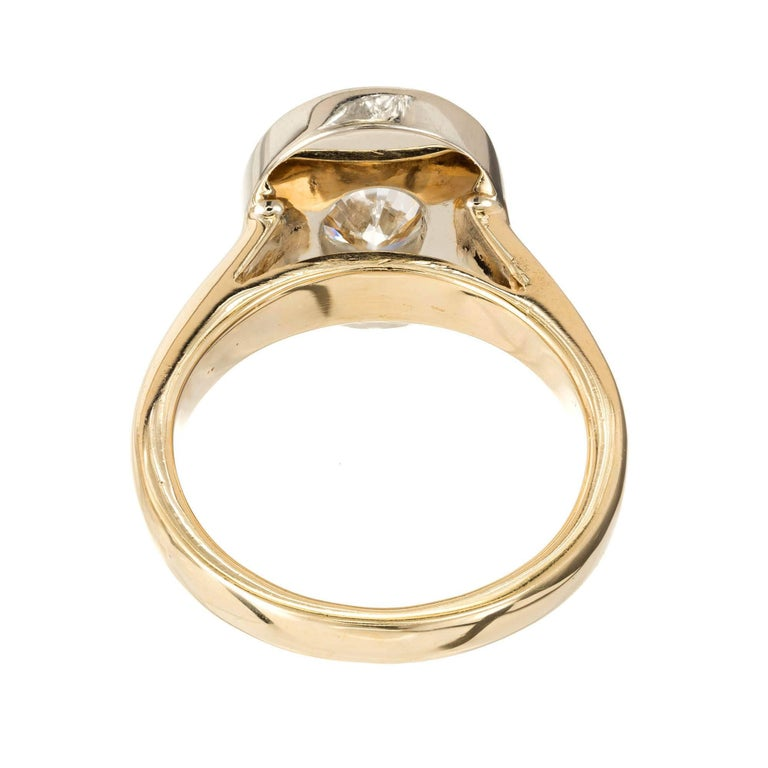 1.02 Carat Oval Diamond Halo Gold Engagement Ring In Good Condition For Sale In Stamford, CT