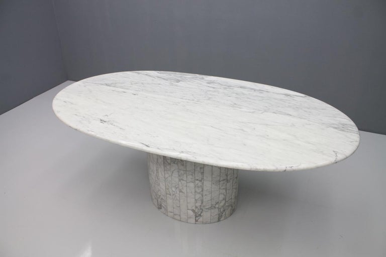 Oval Dining Table in White Carrara Marble, Italy, 1960s For Sale 9