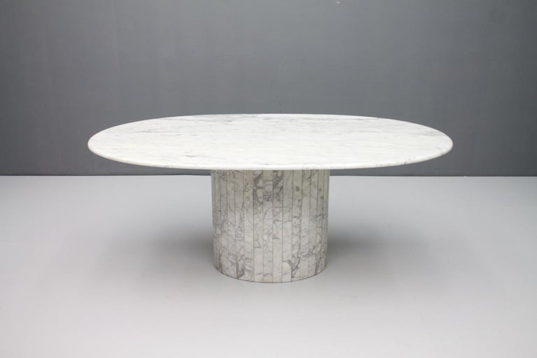 Mid-Century Modern Oval Dining Table in White Carrara Marble, Italy, 1960s For Sale
