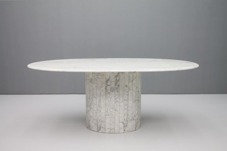 Italian Oval Dining Table in White Carrara Marble, Italy, 1960s For Sale